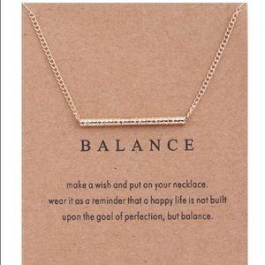 Jewelry - Balance dainty necklace